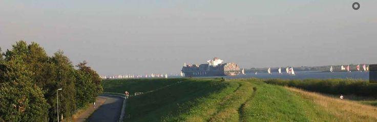 Dicke Pötte auf der Elbe im Alten Land - Feriendorf Altes Land an der Elbe zwischen Hamburg und Nordsee - #deutschlandurlaub