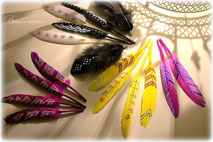 #painted #feathers #for #earrings #dreamcatchers #preparingfor #colorfulspring :) #bohostyle #hippiestyle #tribalstyle :) #birbyzossleptuve :)