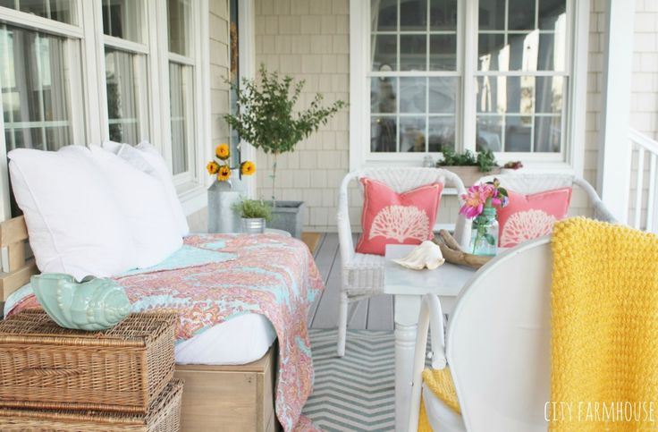 DIY sofa: crib mattress? Summer Porch-Makeover for less than $100, Flea Market Finds