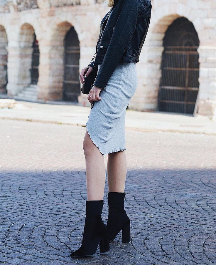Rock on look in #MIGATO ST0222 block heel booties! Shop link ► bit.ly/ST0222-L14en Photo via @popimo