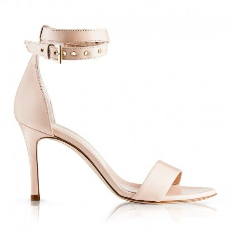 Crafted in Italy from very soft goat leather, in fancy nude colour, Zurbano Lily sandals are a must haves in your wardrobe. Double-tied ankle strap with gold eyelets will lift any outfit giving you effortless urban chic. We're teaming ours with gauzy dresses, white straight-leg trousers and boyfriend jeans.