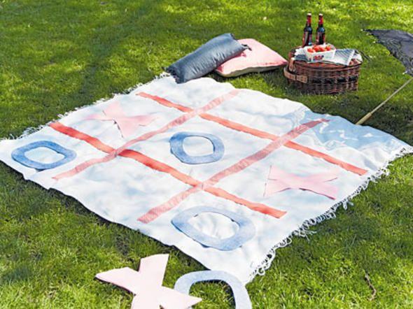 Picknickdecke mit Käsekästchen