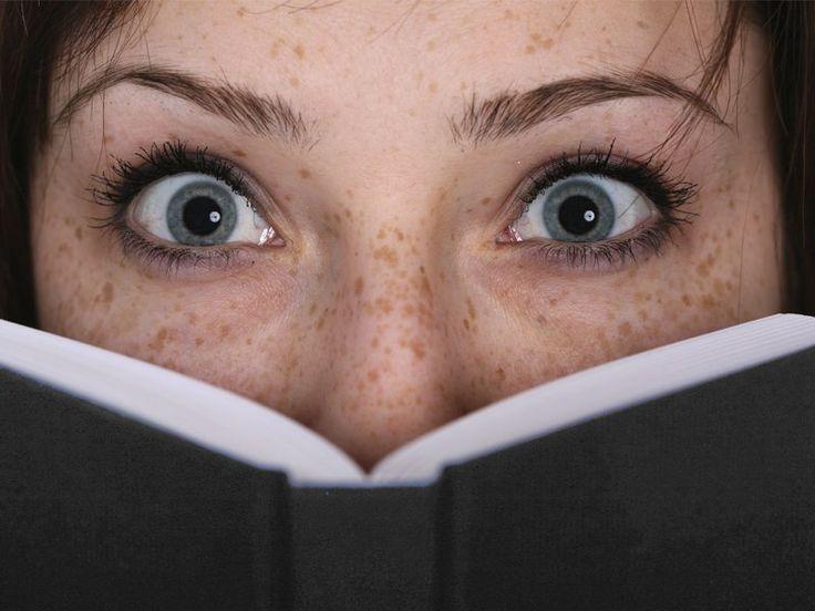 Já se aventurou por livros de suspense? Veja nossa seleção e comece essa leitura densa e com muitos enigmas.