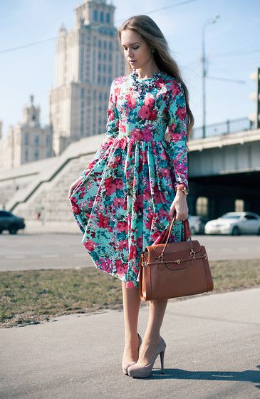 Zolotoy Pesok (Russia) Dress, Salvatore Ferragamo Bag, Zara Shoes