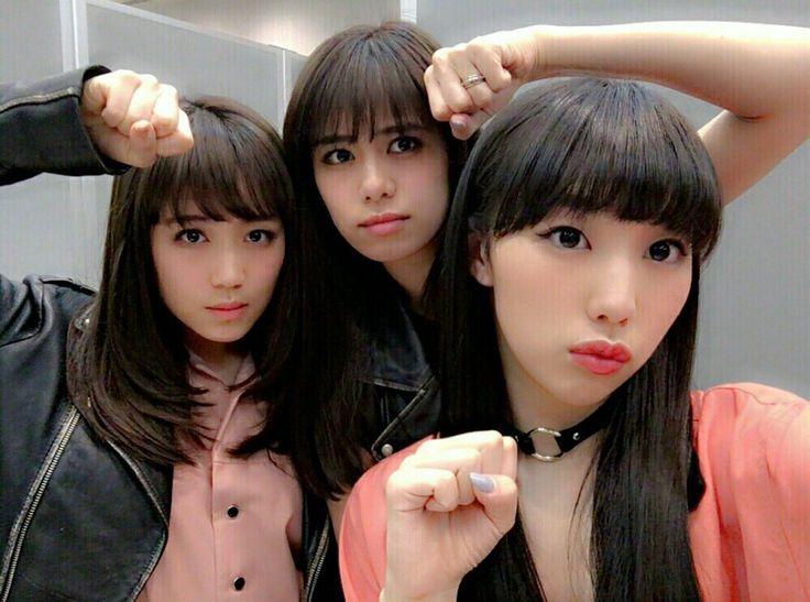E-girls Flower 鷲尾伶菜 佐藤晴美 重留真波 Washio Reina Sato Harumi Shigetome Manami