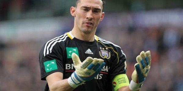 Insolite: le gardien de but jouera avec 9 doigts !