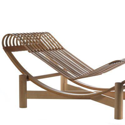 La fameuse chaise longue de 1929 en acier chrom et for Chaise longue bambou