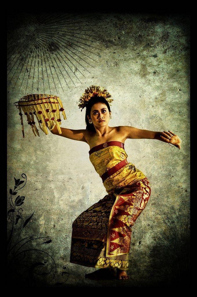 BALINESE DANCER......INDONESIA............