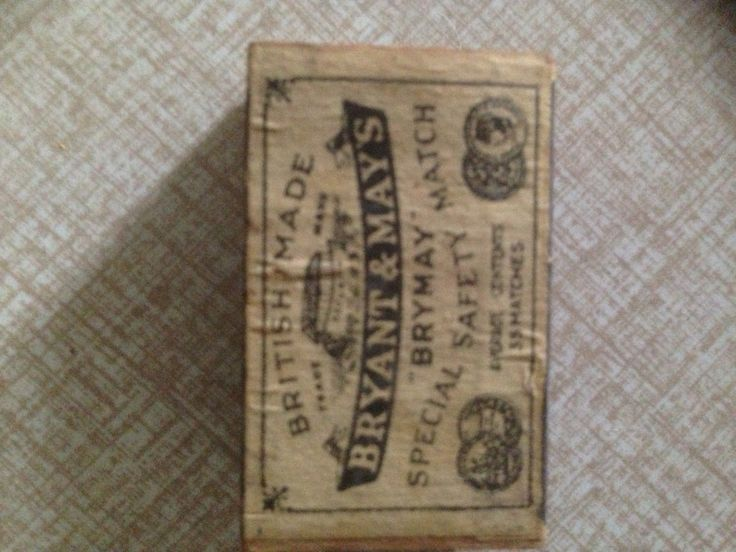 Unusually small (4cm long) Vintage Bryant & May Safety Matches Match Box - still FULL!