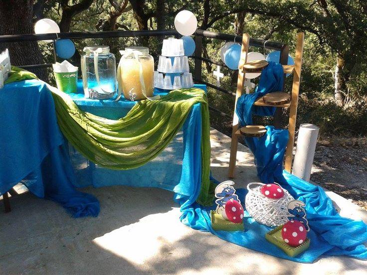 smurfs table decoration