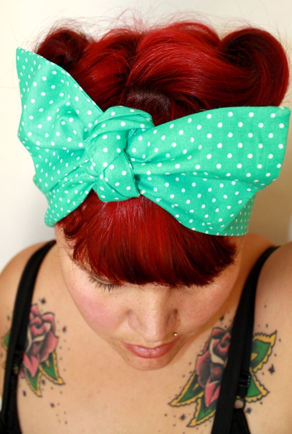 Retro hair ! Rockabilly: Rockabilly Pin, Hair Bands, Red Colors, Retro Hair, Hairstyles Makeup, Hair Bows, Rockabilly Psychobilly Pinup, Bandanas Hairstyles, Blue Headbands