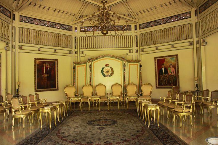 keraton mangkunegaraan solo interior meeting room traditional classic elegant gold
