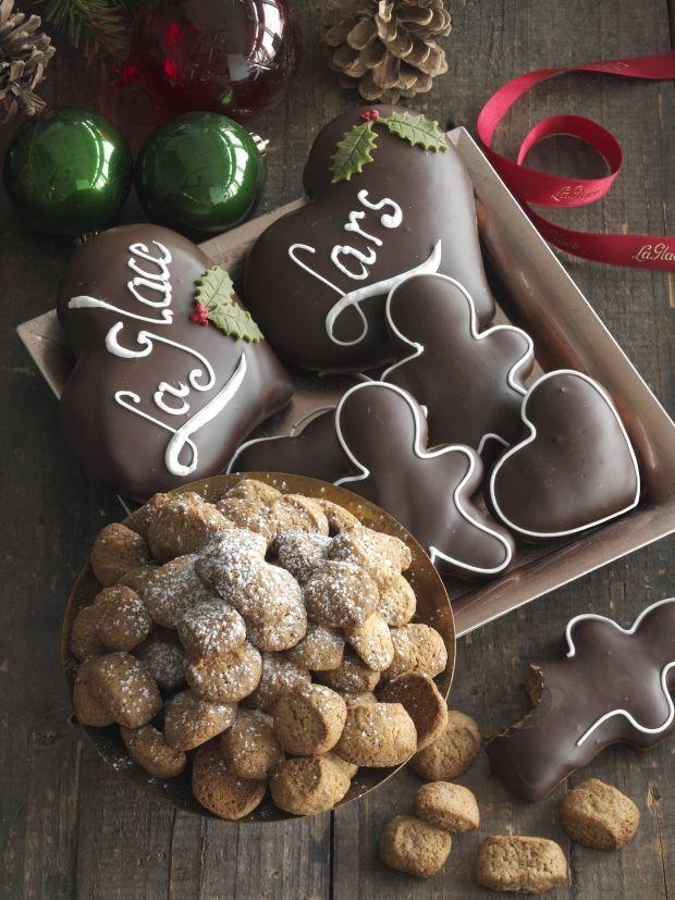 Chefkonditor Lars Juul fra La Glace deler ud af sine bedste opskrifter på julekager og konfekt i denne uges Ude og Hjemme. Her får du en lækker smagsprøve fra tillægget: Gammeldags pebernødder.