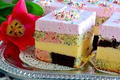 Smaczne, dobrze prezentujące się ciasto, nie ukrywam, że jest dość pracochłonne (sporo misek do mycia pod koniec). Jednak, pomimo wszystko(!...