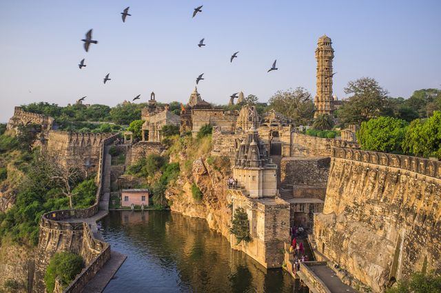 12 Top Palaces and Forts to Explore Historical India: Chittorgarh Fort and Padmini Palace, Rajasthan