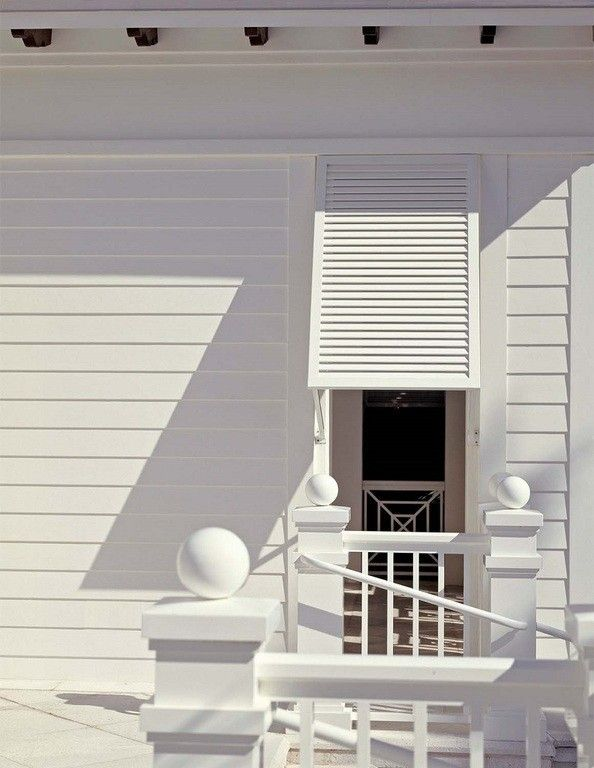 beach house detail.