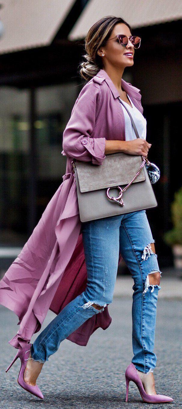Pink Coat & Destroyed Jeans & Pink Pumps & Grey Leather Shoulder Bag