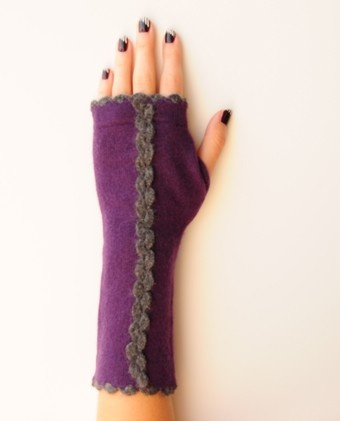 Victorian Style Cashmere Fingerless Mittens  Wavy Edge Knit Detail With Center Knit Design  Perfect For Texting, Driving, Hacking Around On Your IPad & Even Eating With Chopsticks  100 % Cashmere  Hand Wash / Dry Flat     Price: $58.00