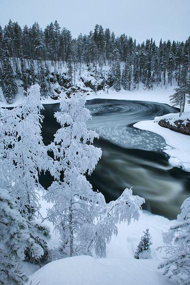 Le Parc national Oulanka est un parc naturel de 270 km² situé en Finlande au niveau du cercle polaire arctique. Il est situé près d'une grande station de ski entre deux villes de la province d'Oulu : Ruka et Kuusamo.
