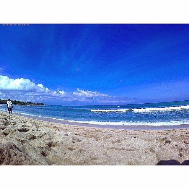 【sawako0829】さんのInstagramをピンしています。 《・ 【9/15.DAY4】 ・ Kuta Beach からおはようございます! ・ 暑いですが最高に気持ち良い天気です! ・ #夏休み #夏季休暇 #Travel #サマートリップ #サマーバケーション #SUMMERVACATION #SUMMERTRIP #海外 #海外旅行 #Indonesia #Bali #kuta #インドネシア #バリ #クタ #リゾート #南国 #KutaBeach クタビーチ #海》
