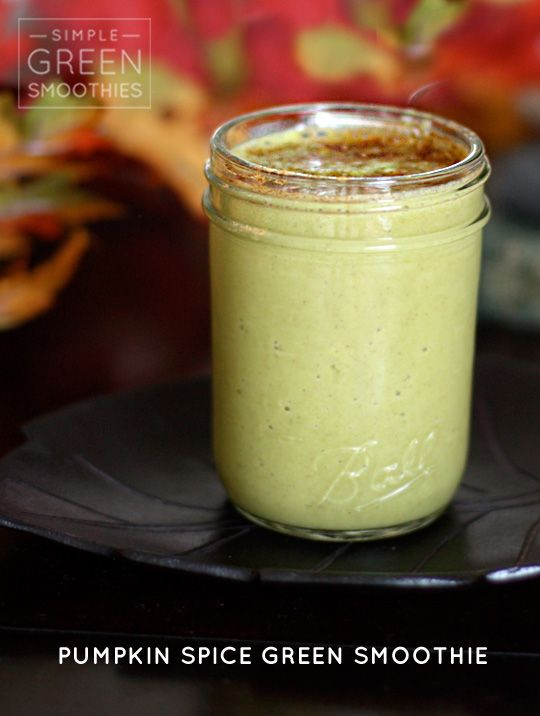 Fall with this pumpkin pie green smoothie! @simplegreensmoothies.com