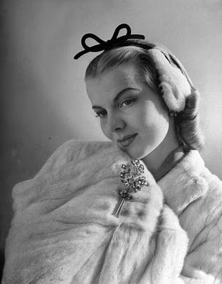 Nina Leen swathed and adorned in fur, 1943. #vintage #fashion #1940s