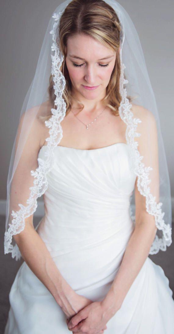 Lace Wedding Veil, Lace trimmed veil, Lace Veil, Ivory Lace Wedding Veil