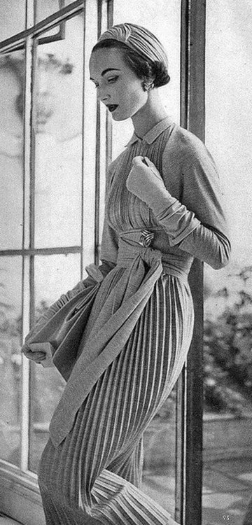 Pleated Knit Dress 1950s photography by Henry Clarke. We love EVERYTHING about this... gloves included.