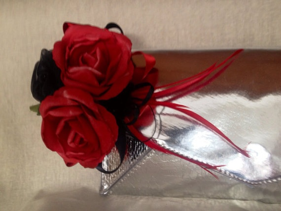 Red and black rose handbag clutch clip by DesignedbyDivas on Etsy, $34.95