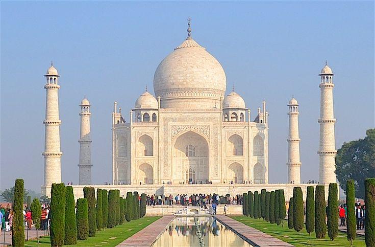 世界一美しい霊廟といわれるインドの世界遺産「タージマハル」に行って、その美しさの秘密に迫ってみた。