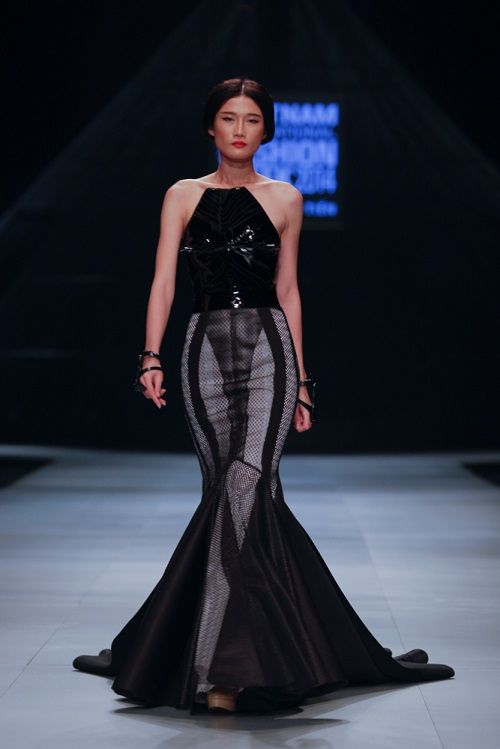 The winner of Project Runway Vietnam 2014 Ly Giam Tien, who is only 18 years old self-taught designer, presented his collection at Vietnam International ...