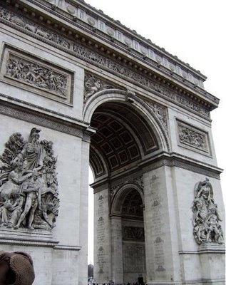 Arc de TriompheLittle Girls, Good Ideas, Real Life, Kids Stuff, Arc De Triomphe, Paris France, Awesome Image, Places, Triomphe Paris