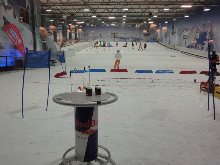 Skipiste in der Skihalle #Neuss http://www.ausflugsziele-nrw.net/skihalle-neuss/