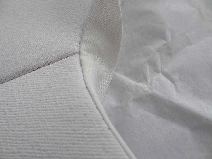 a.guery - veste en toile de coton apprêtée - détail de col gansé - Photographie Anaïs Guery