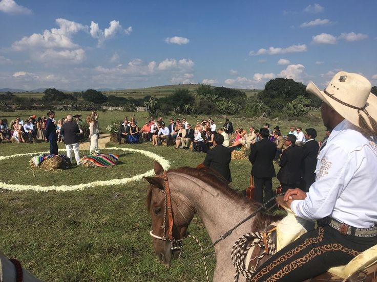 rancho wedding, destination wedding, hacienda wedding, mexican wedding, runaway bride, outdoor wedding, wedding with horses, rancho las cascadas
