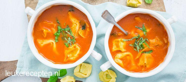 Tomatensoep met kaastortellini - Leuke recepten