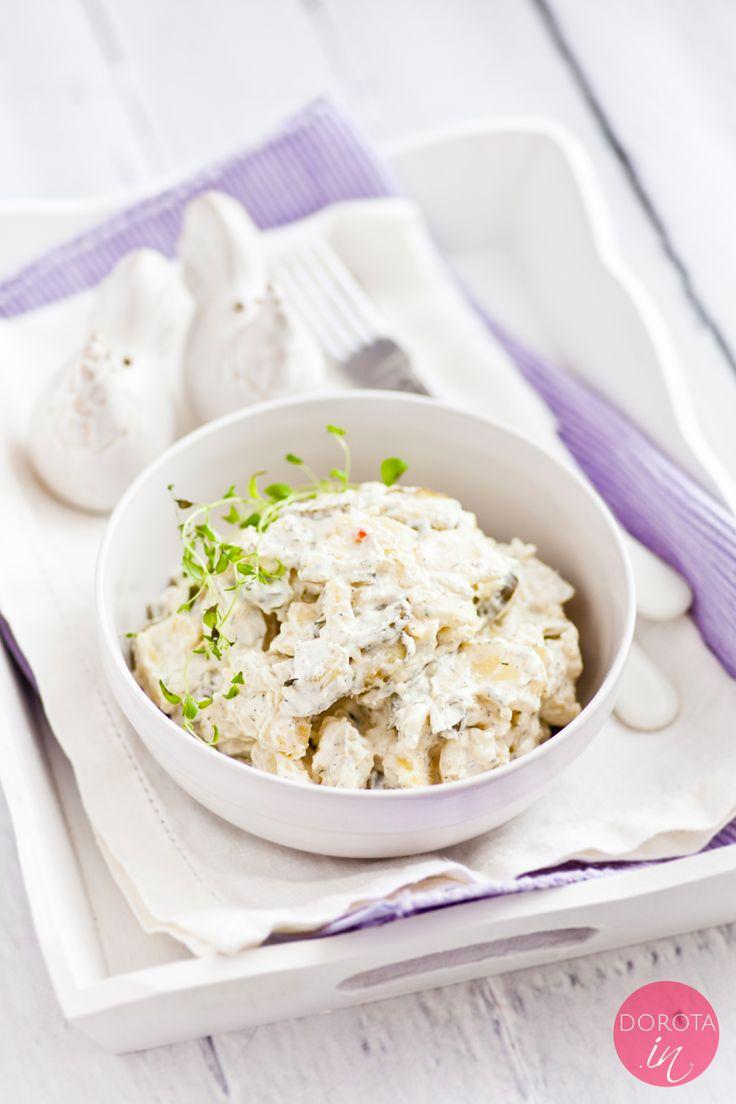 Sałatka ziemniaczana czyli klasyka imieninowa, świąteczna i… na grilla :). Pyszna sałatka z ziemniaków z cebulą, majonezem, ogórkami kiszonymi lub korniszonami, przyprawiona koperkiem lub tymiankiem.  http://dorota.in/salatka-ziemniaczana/  #przepis #kuchnia #ziemniaki #sałatka