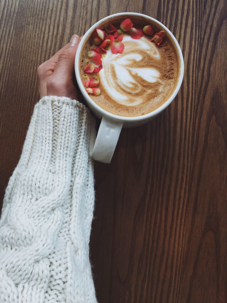 Coffee & cozy sweater in Starbucks