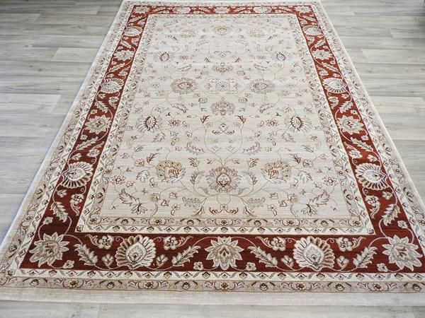 Top Quality Traditional Design Turkish Rug Size: 200 x 290cm