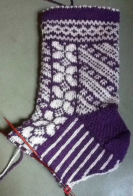 Great pattern to learn stranded knitting. These were for my Dad's wife. Ravelry: SaltCity's Stranded knitting socks