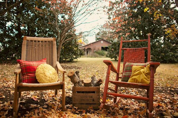 chairsGardens Ideas, Rocks Chairs, Rocking Chairs, Fall Wedding Inspiration, Autumn, Dreams Backyards, Cozy Chairs, Leaves, Fall Weather