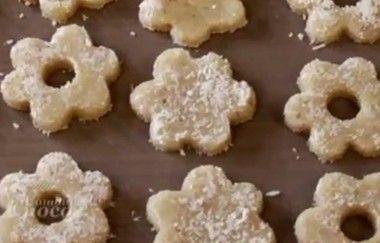 Dolci senza burro: i biscotti canestrelli crudisti che non vanno cotti | Cambio cuoco