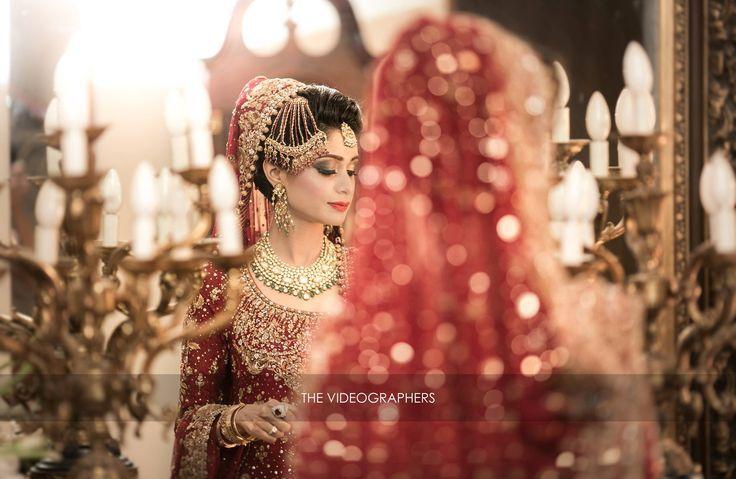 Pretty Pakistani bride wearing Bunto Kazmi Bridal outfit
