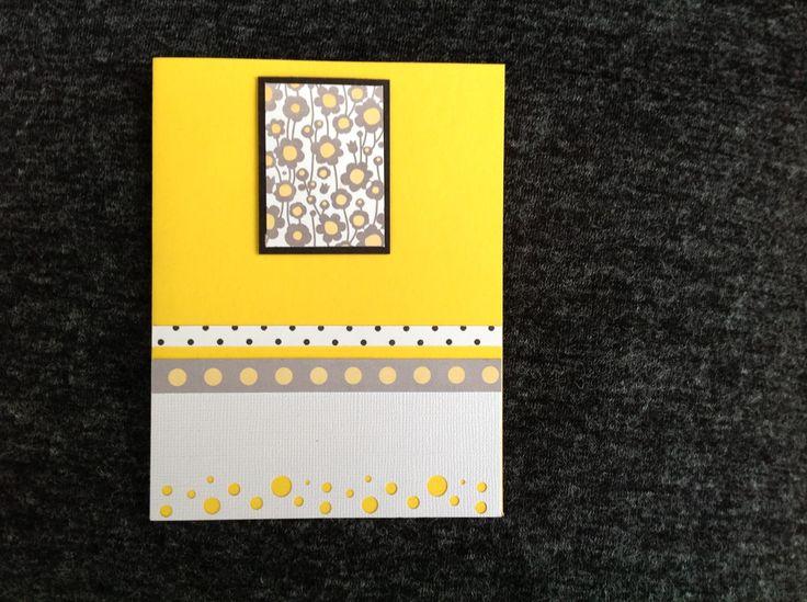 Usando un perforador de círculos para crear textura.