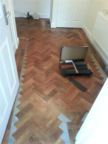 Karndean Parquet Flooring : nearly there ! just the cuts to do