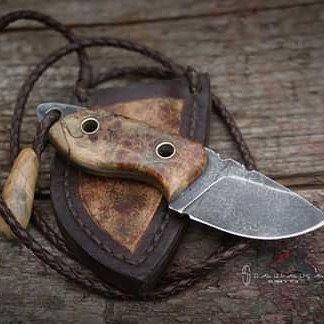 Bofur 3 mm NC6 steel, Length: 104mm / 44 mm blade, Handle: stabilized alder burl.