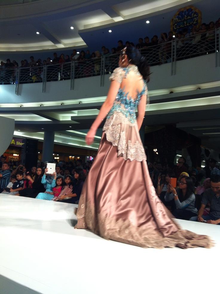 By Dola AP  #indonesian #kebaya #fashion #style #prety