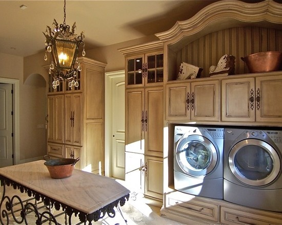 who would think doing laundry would be so much fun (with this kind of room!!!)Laundry Rooms Design, Pictures, Remodel, Decor and Ideas - page 7
