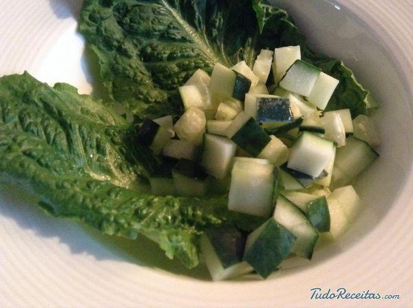 Aprenda a preparar salada árabe com lentilhas com esta excelente e fácil receita. Nesta receita apresentamos uma opção saudável e deliciosa para todas as pessoas que...
