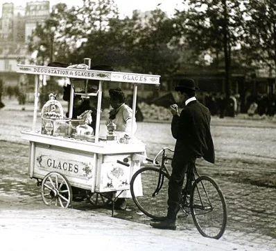 The ice-cream seller Paris, 1900